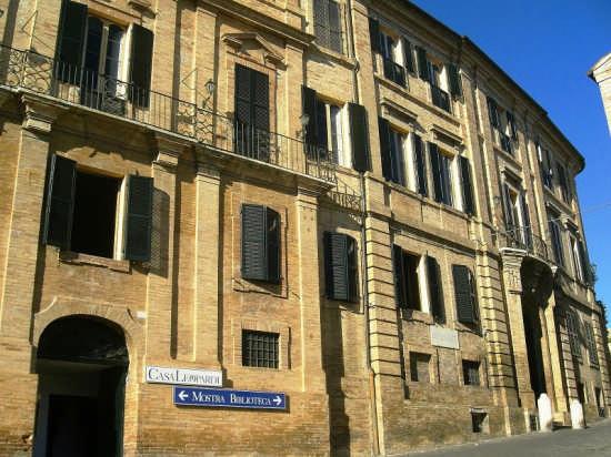Giacomo leopardi treccani il portale del sapere for Galileo quiz casa