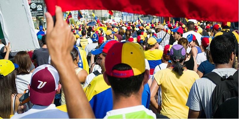 Il Venezuela in crisi, tra scontri di piazza e retorica antimperialista