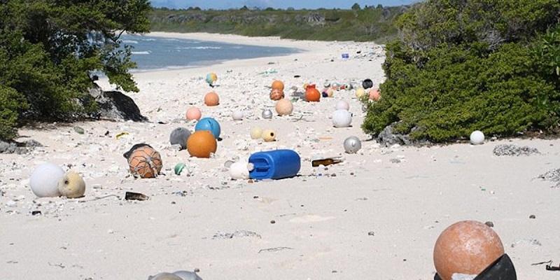 La plastica che rovina il Pacifico