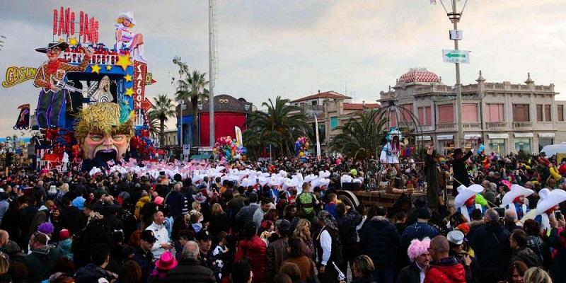 Viareggio celebra il Carnevale