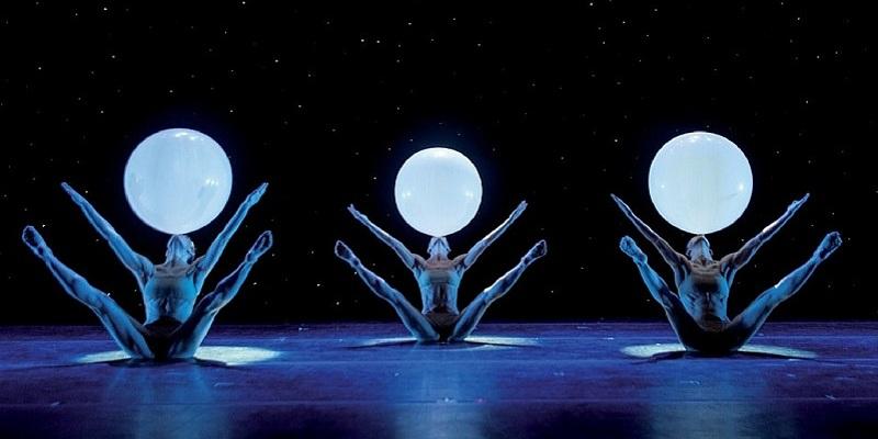 Istantanee di danza. Milano celebra i 35 anni dei Momix
