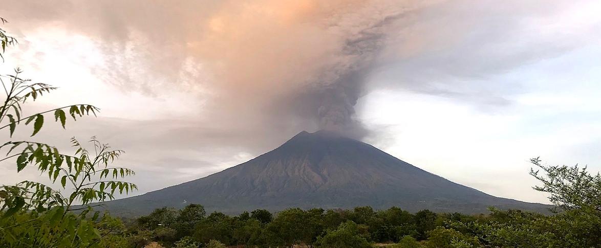 Cosa sappiamo del vulcano Agung?
