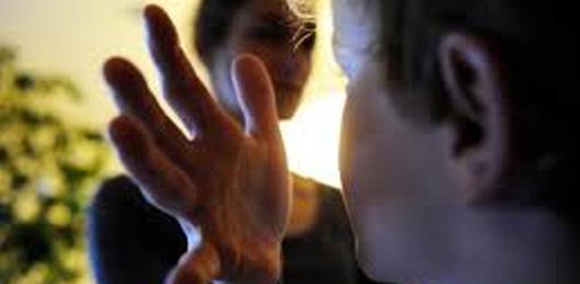 Giù le mani