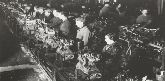 200 scatti raccontano Il capitale umano nell'industria