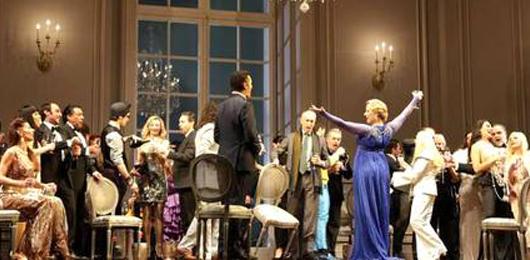 Prima alla Scala, tra tradizione e polemiche