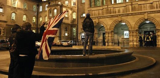 Settimana di violenze a Belfast