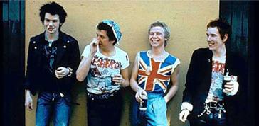 I Sex Pistols le suonano alle Olimpiadi di Londra