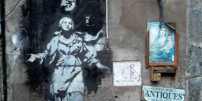 Banksy fra pop e santità; focus sui lavori napoletani