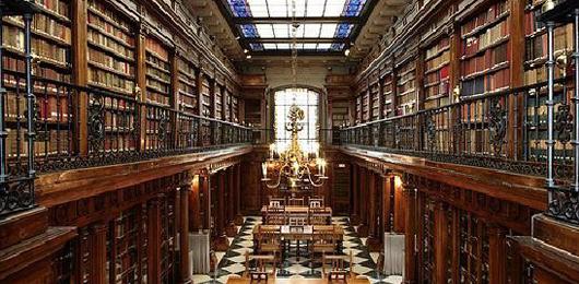 La fatica delle biblioteche