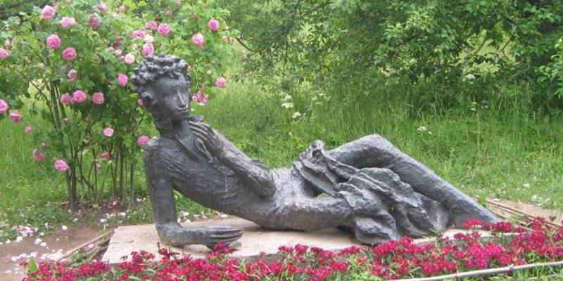 Classico in pillole: Dovlatov, una guida all'assurdo nel Parco Puškin