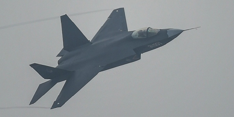 Arrivano i supercaccia J-20 che sfuggono ai radar