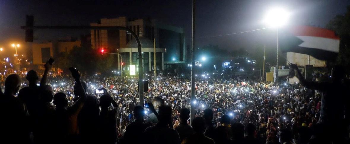 Accordo tra giunta militare e opposizione in Sudan
