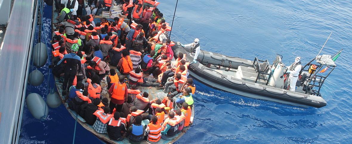 Al-Sarraj: ottocentomila migranti irregolari in Libia