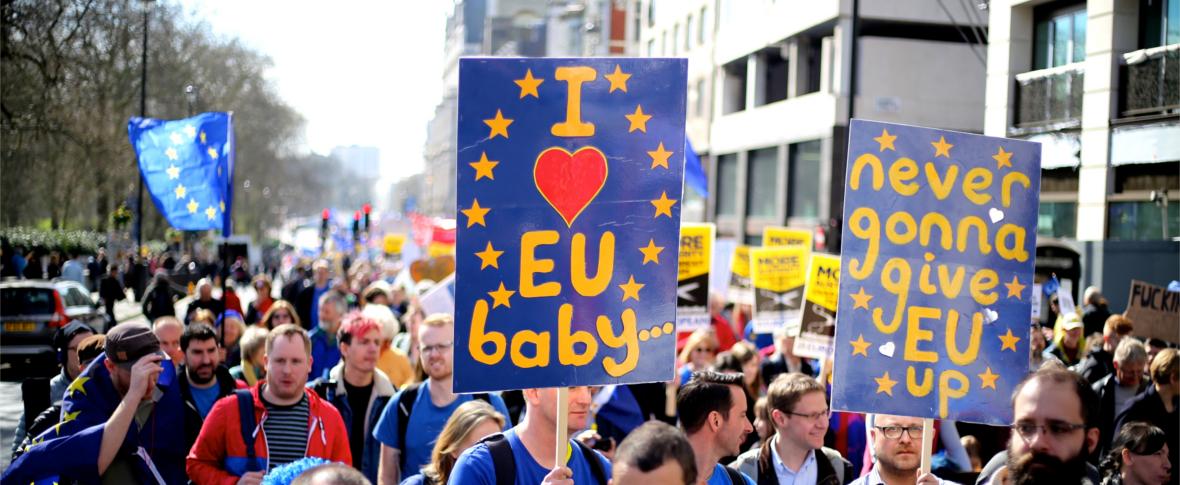 Grande manifestazione a Londra contro la Brexit