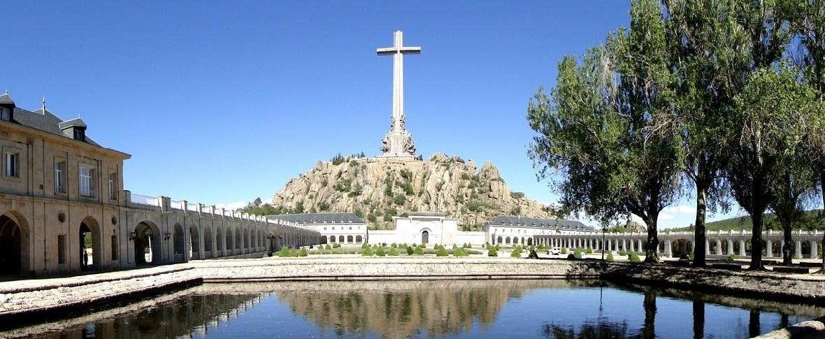 La Corte suprema spagnola autorizza lo spostamento delle spoglie di Francisco Franco