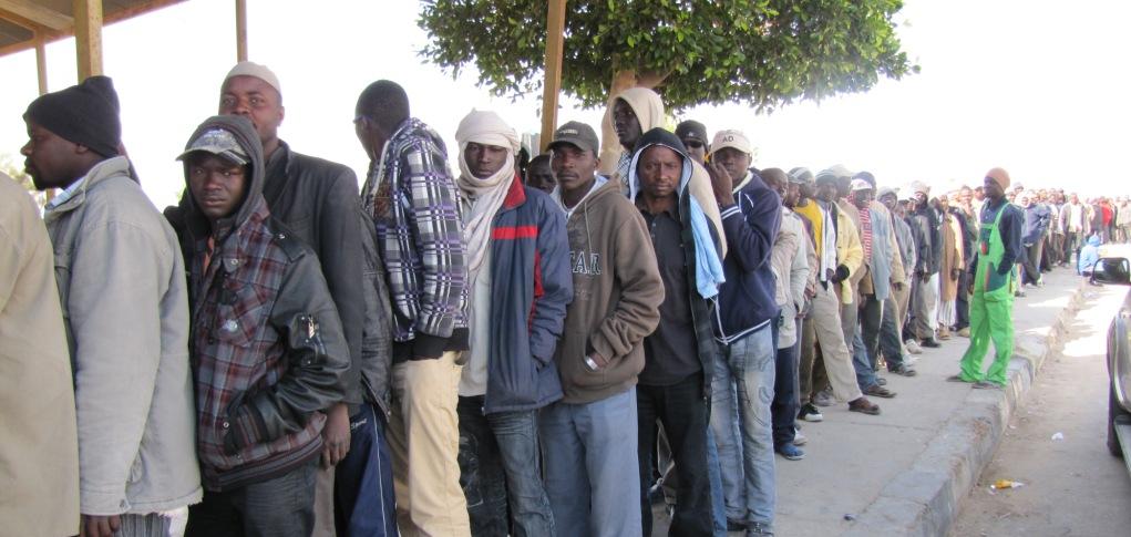 Libia, colpito da un bombardamento un centro per migranti