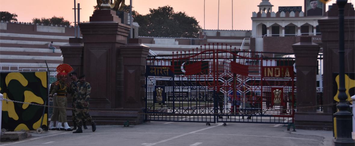 Scontri armati e accuse tra Pakistan e India