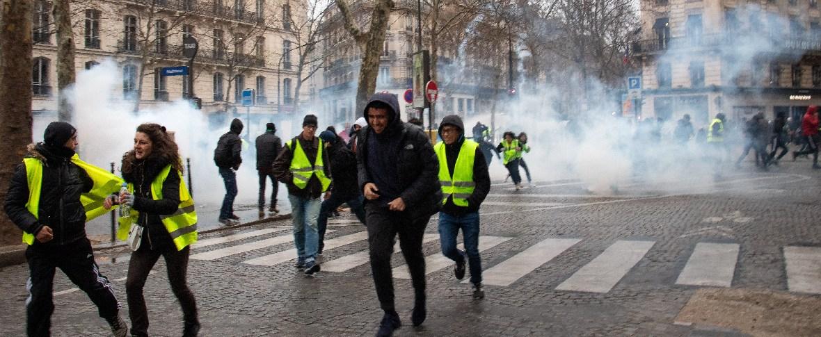 Scontri e tensioni a Parigi in occasione del 1° maggio