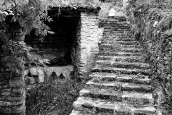 BOLOGNOLA - Scalinata in pietra