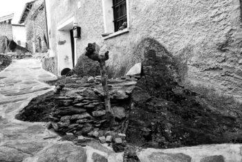 Basamento edificio in pietra