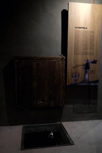Botola utilizzata durante la Seconda guerra mondiale come rifugio per le famiglie ebree perseguitate dai nazisti